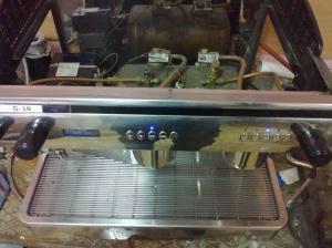 Expobar espresso makinası tamir edilirken